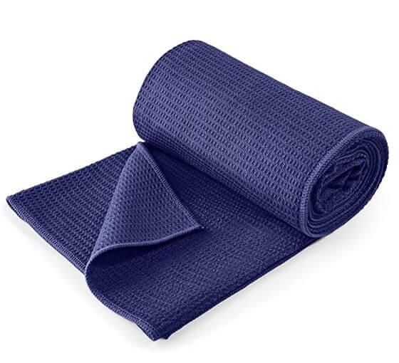 Dei Yoga Ausrüstung - Das Yogahandtuch